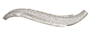 Van Cleef & Arpels Van Cleef & Arpels Platinum And Diamond Haricot Clip