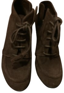 Anne Klein brown suede Boots