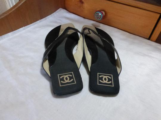 Chanel BLACK WITH WHITE & GREY Flats Image 3
