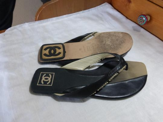 Chanel BLACK WITH WHITE & GREY Flats Image 7