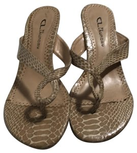 CL by Chinese Laundry beige Sandals