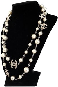 Chanel Chanel Classic Pearl 5 CC Dual Sided Crystal Necklace