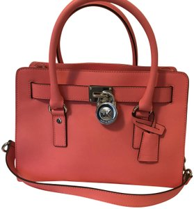 1437faaf96 Red Michael Kors Bags - Up to 90% off at Tradesy (Page 3)