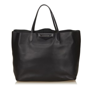 Givenchy 6egvto002 Tote in Black