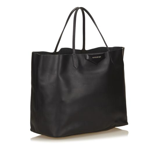 Givenchy 6egvto002 Tote in Black Image 1
