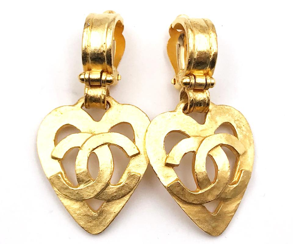 d2b21fc649b1 Chanel Chanel Vintage 24K Gold Plated CC Heart Dangle Clip on Earring Image  0 ...