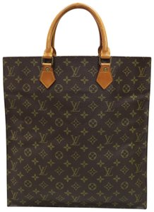 Louis Vuitton Lv Plat Canvas Tote in monogram