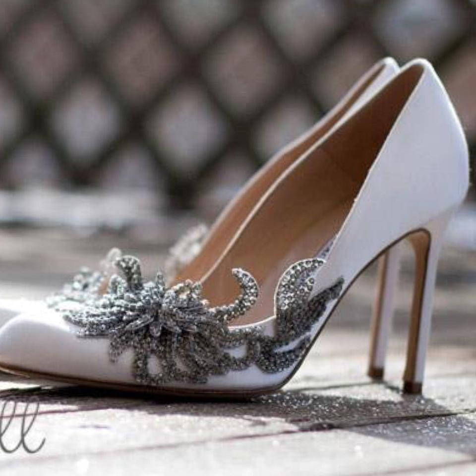 61bbf4211c000 Manolo Blahnik White Swan Embellished Satin Pumps Size US 11 Regular ...