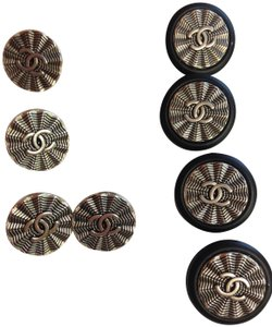 Chanel Chanel Set of 10 17mm and 22 mm silver/black CC Metal Buttons