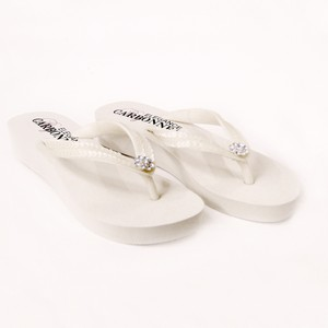 d5337a78a5465a Elegance by Carbonneau Ivory Bridal Flip Flops with Sequins   Swarovski  Crystals Sandals Size US 5