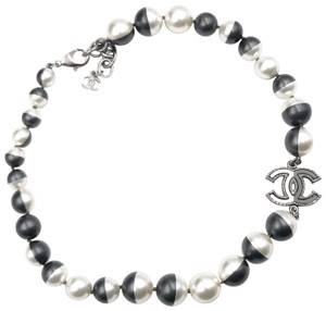 Chanel Chanel White Black Half and Half Faux Pearl Choker Necklace