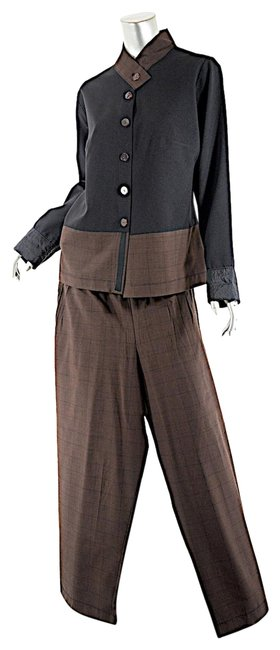 Preload https://item1.tradesy.com/images/black-and-brown-plaid-relaxed-in-wool-blend-pant-suit-size-16-xl-plus-0x-22801875-0-1.jpg?width=400&height=650