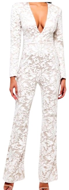 Preload https://img-static.tradesy.com/item/22801901/lace-jumpsuit-pant-suit-size-10-m-0-1-650-650.jpg