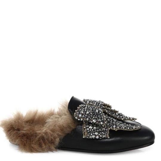 Preload https://item1.tradesy.com/images/gucci-black-fur-princetown-leather-slipper-loafers-with-box-mulesslides-size-us-8-regular-m-b-22802050-0-3.jpg?width=440&height=440