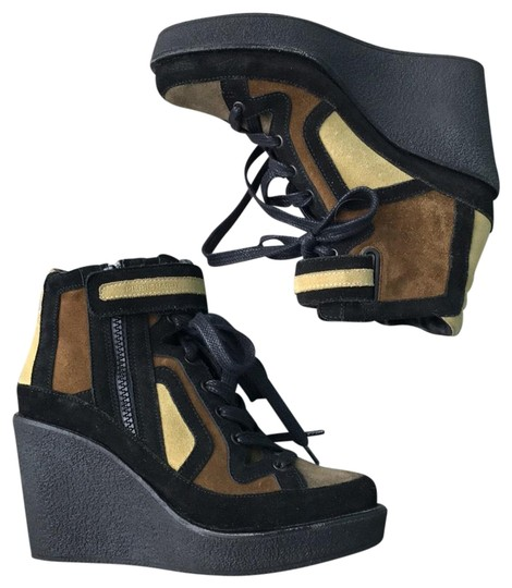 Preload https://item1.tradesy.com/images/pierre-hardy-wedge-ankle-bootsbooties-size-us-7-regular-m-b-22802220-0-1.jpg?width=440&height=440