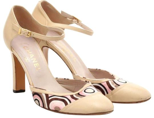 Preload https://item1.tradesy.com/images/chanel-nude-leather-and-satin-pumps-size-eu-385-approx-us-85-regular-m-b-22802320-0-1.jpg?width=440&height=440