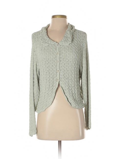 Preload https://item5.tradesy.com/images/green-knit-pearl-button-cardigansweater-cardigan-size-6-s-22802429-0-0.jpg?width=400&height=650
