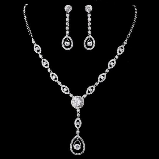 Preload https://item5.tradesy.com/images/elegance-by-carbonneau-silver-plated-clear-cz-necklace-earring-jewelry-set-22802739-0-1.jpg?width=440&height=440