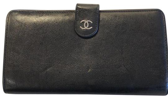 Preload https://img-static.tradesy.com/item/22802858/chanel-black-leather-long-wallet-0-1-540-540.jpg