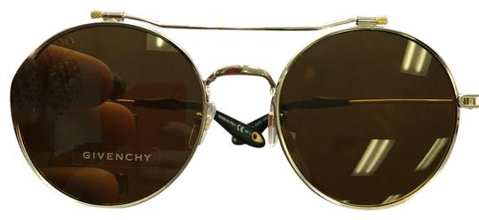 Preload https://item3.tradesy.com/images/gold-and-silver-sunglasses-22802977-0-1.jpg?width=440&height=440