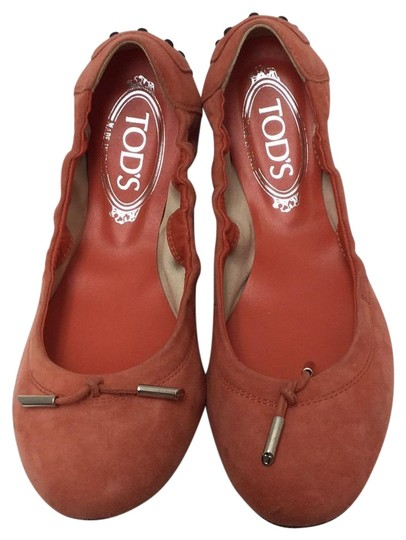 Preload https://item5.tradesy.com/images/tod-s-peach-suede-ballet-drivers-flats-size-us-8-regular-m-b-22803184-0-1.jpg?width=440&height=440