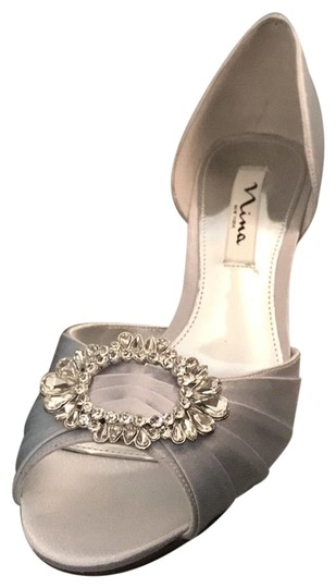 Preload https://item5.tradesy.com/images/nina-shoes-silver-royal-crystah-formal-shoes-size-us-85-regular-m-b-22803504-0-1.jpg?width=440&height=440