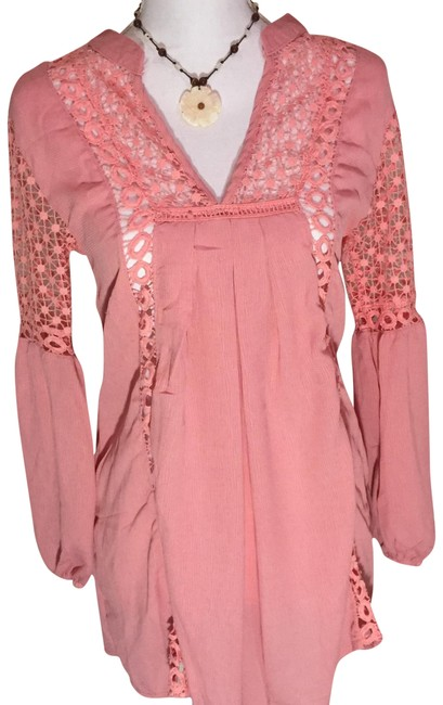 Preload https://item4.tradesy.com/images/pink-tunic-size-4-s-22803678-0-3.jpg?width=400&height=650