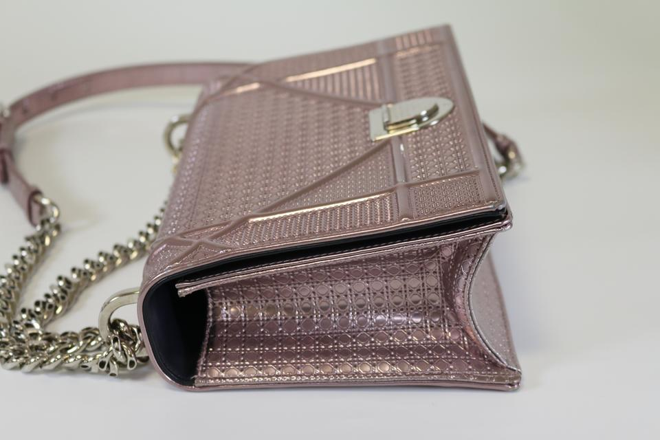 05e98ef92bb7 Dior Diorama Flap Metallic Diorama Micro-cannage Medium Medium Diorama  Cross Body Bag Image 11. 123456789101112