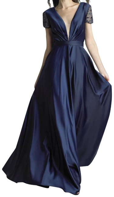 Item - Navy Boll Gown Long Formal Dress Size 12 (L)