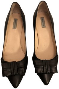 Classiques Entier Leather Bow Kitten Heel Pointed Toe Black Pumps
