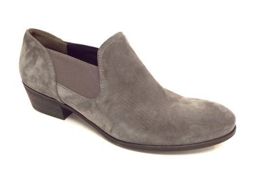Preload https://img-static.tradesy.com/item/22805952/paul-green-gray-waxed-suede-leather-slip-on-ankle-bootsbooties-size-us-7-regular-m-b-0-0-540-540.jpg