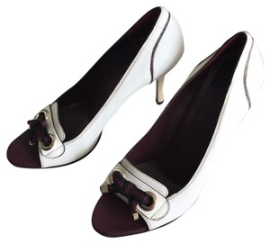 Gucci Ivory with Bordeaux and Navy now details Pumps