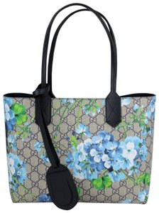 Gucci Beige/Blue Gg Coated Canvas Reversible 372613 8499 Tote in Beige/Blue