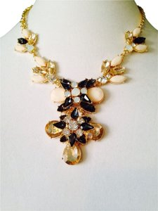 NWT Neutral Shades Of Faceted Crystals In Gold-Tone Statement Necklace