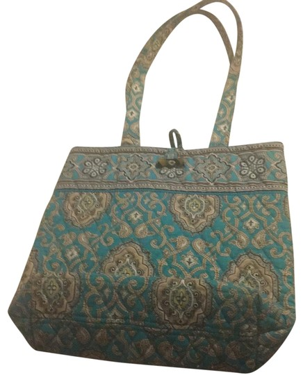 Preload https://img-static.tradesy.com/item/22808706/vera-bradley-quilted-teal-tote-0-1-540-540.jpg