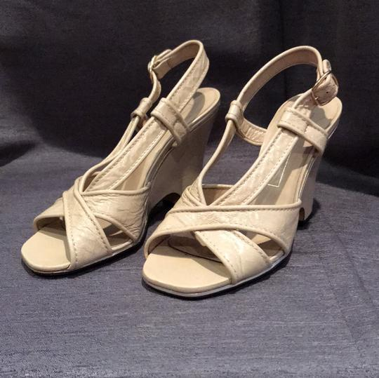 Marc Jacobs Leather Metallic Patent Beige Wedges Image 1