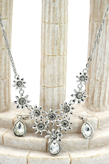 Ocean Fashion Brilliant White flowers color crystal necklace earrings set Image 3