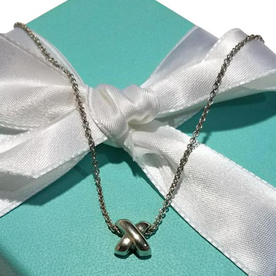Preload https://img-static.tradesy.com/item/22810277/tiffany-and-co-retired-x-signature-pendant-necklace-0-9-540-540.jpg