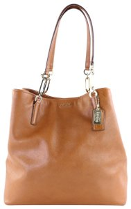 Coach Hi380 26225 Tote in Brown