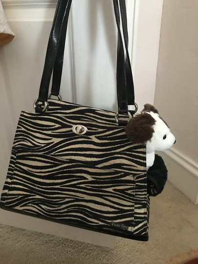 Preload https://img-static.tradesy.com/item/22810774/pet-carrier-toteairplane-approved-black-and-white-faux-zebra-patent-tote-0-0-540-540.jpg