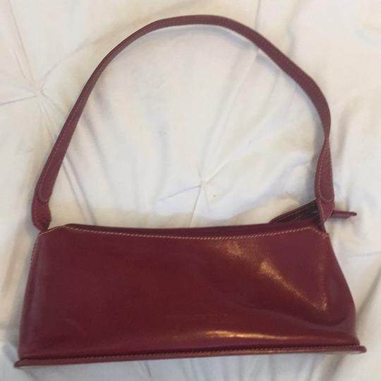 Preload https://img-static.tradesy.com/item/22811175/kenneth-cole-red-leather-satchel-0-0-540-540.jpg