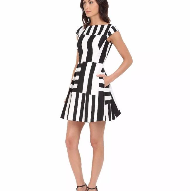 Preload https://img-static.tradesy.com/item/22811271/kate-spade-black-and-white-short-night-out-dress-size-0-xs-0-1-650-650.jpg