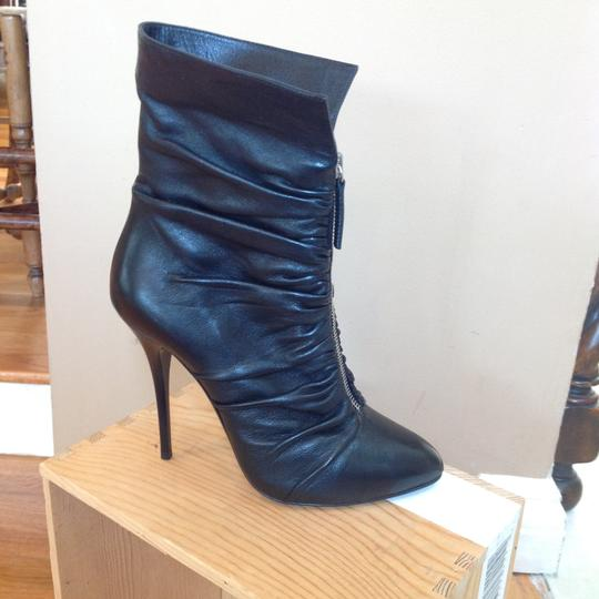 Preload https://img-static.tradesy.com/item/22811863/giuseppe-zanotti-black-zadina-lounge-bootsbooties-size-us-75-regular-m-b-0-0-540-540.jpg