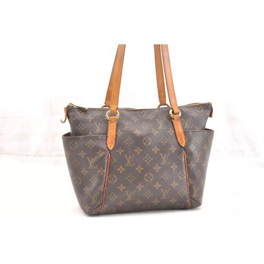 Preload https://img-static.tradesy.com/item/22815201/louis-vuitton-totally-pm-monogram-canvas-shoulder-bag-0-14-540-540.jpg