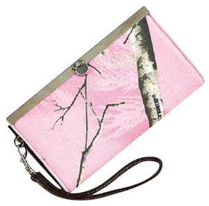 Realtree Wallet Wristlet in pink camo