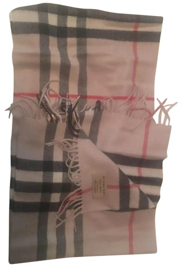 Preload https://img-static.tradesy.com/item/22815622/burberry-ivory-the-classic-check-cashmere-scarfwrap-0-1-540-540.jpg