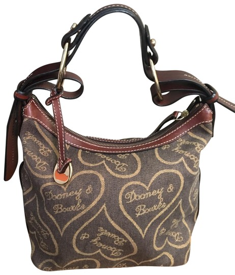 Preload https://img-static.tradesy.com/item/22816275/dooney-and-bourke-heart-browntan-canvas-with-deep-brown-leather-trim-canvasleather-hobo-bag-0-1-540-540.jpg