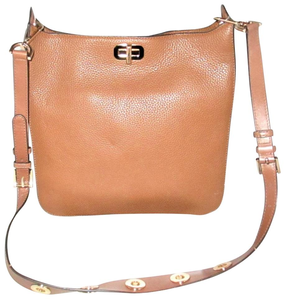 216a0d30d1dce Michael Kors Sullivan Large N S Messenger Cross-body Brown ( Luggage ...