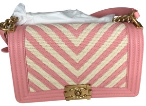 bd2fec057de4 White Chanel Cross Body Bags - Up to 90% off at Tradesy