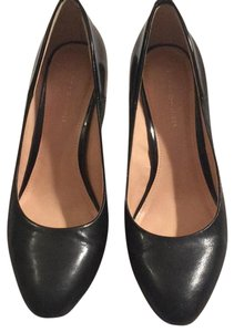 c8fbde29f846 Tommy Hilfiger Pumps - Up to 90% off at Tradesy
